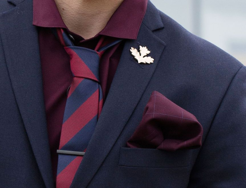 male-oak-leaf-lapel-pin-1600