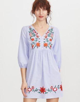 blaues kleid mit blumenmuster