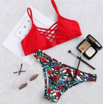roter Bikini